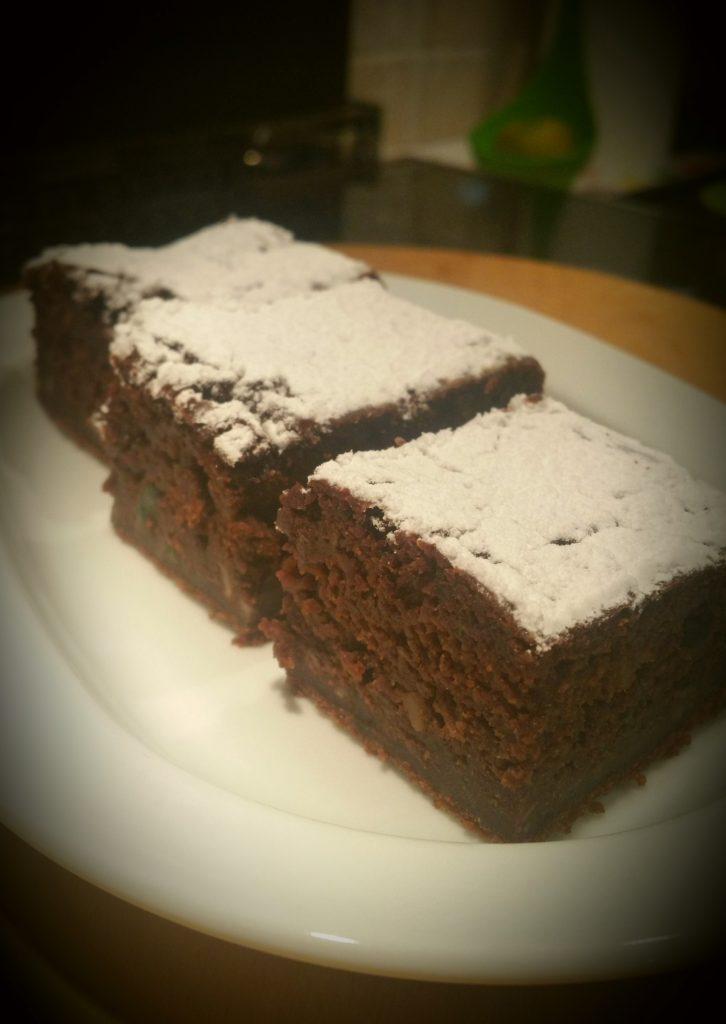 torta al cacao con zucchine e mandorle
